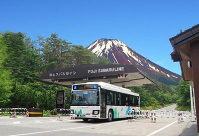 富士急バス、多言語翻訳アナウンスサービスを採用